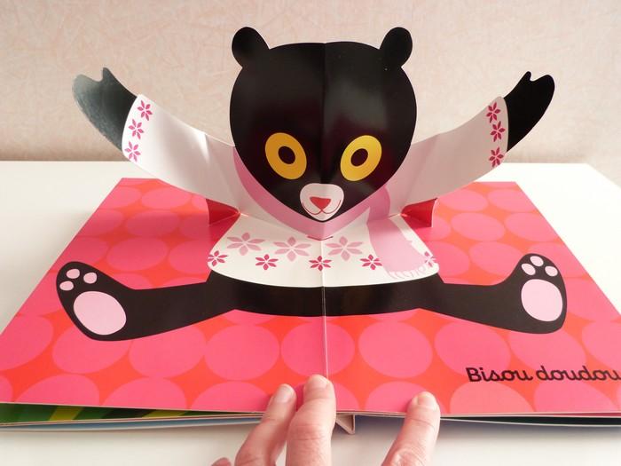 s lection de livres pour les b b s chut les enfants lisent devine qui vient bloguer. Black Bedroom Furniture Sets. Home Design Ideas